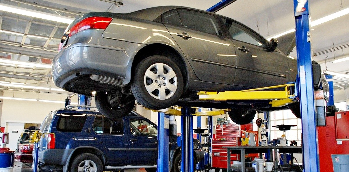 "alt=""help with car repairs"""